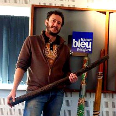 https://www.francebleu.fr/emissions/l-invite-de-france-bleu-perigord-midi/perigord/francis-collie-dessinateur-et-joueur-de-didgeridoo?fbclid=IwAR0LNh3tS9Jqb_0eEsisPCYz_V6f9lOH837Qy20j9mUZqZrN-3TgajZoJN4
