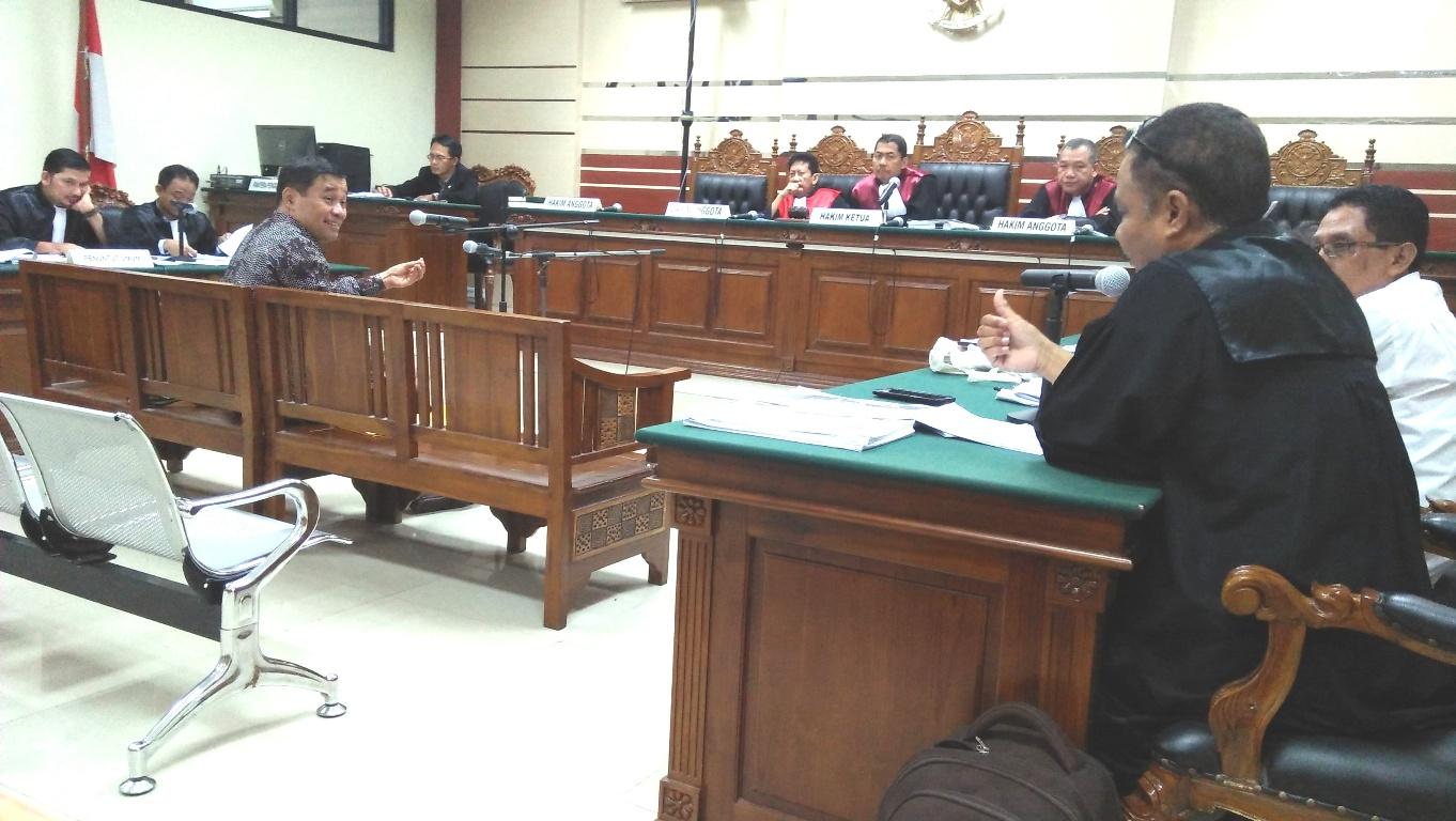 Jpu Kpk Dan Ph Terdakwa Sama Sama Keberatan Dalam Persidangan  # Muebles Coarte Manta