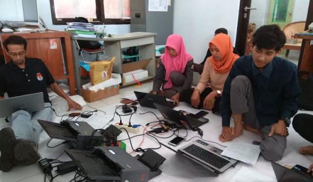 KPU melakukan ujicoba perangkat penghitung suara cepat