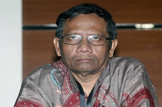 Ditanya Soal Mahfud MD, Jokowi dan Mega Malah Tertawa