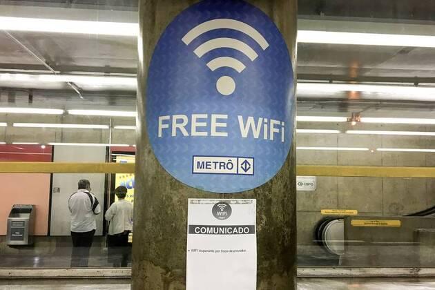 Metrô de SP fecha parceria com empresa para oferecer sinal Wi-Fi gratuito aos passageiros em 38 estações