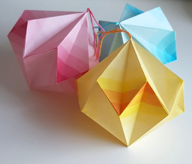 Make these cute origami paper baubles!