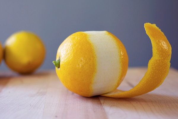 What are the benefits of lemon peel?