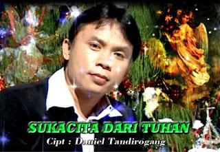 Download Lagu Natal Toraja Sukacita Dari Tuhan (Daniel Tandirogang)