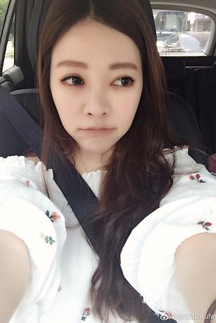 Fayfay Hsu Cantik dan seksi