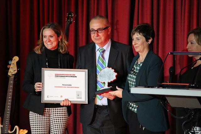 La alcaldesa en la entrega de Premio Barakaldo Empresa Innovadora