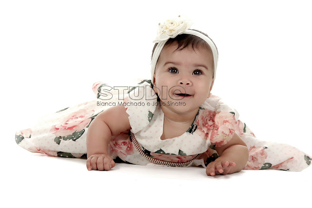 fotos de bebes em estudio no primeiro ano