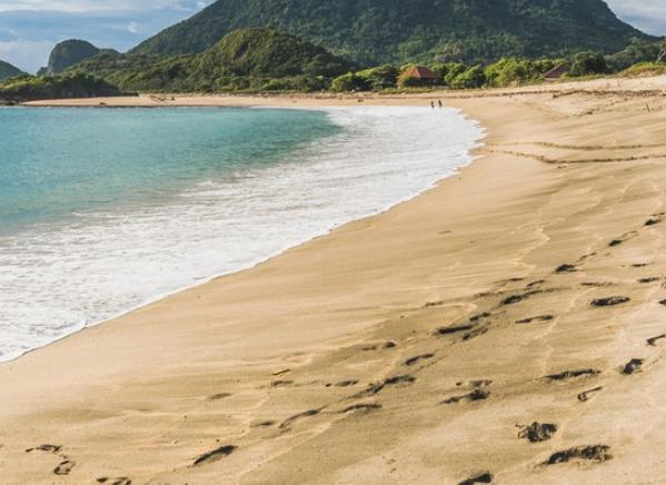 Lima pantai untuk dikunjungi di Sumbawa Barat