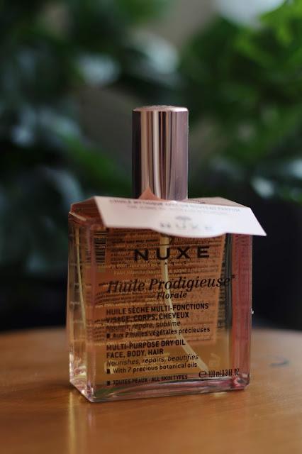 kwiatowy olejek nuxe