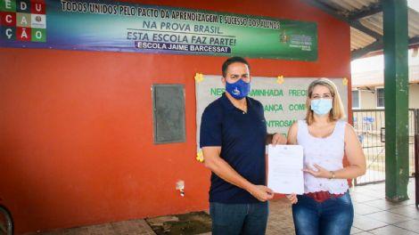 Deputado Eyder Brasil visita Escola Estadual Jaime Barcessat em Candeias do Jamari