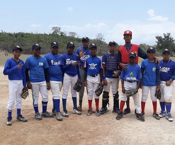 La Guázara:- El equipo azul derrota al rojo en la continuación del torneo de béisbol infantil de La Academia de La Guázara