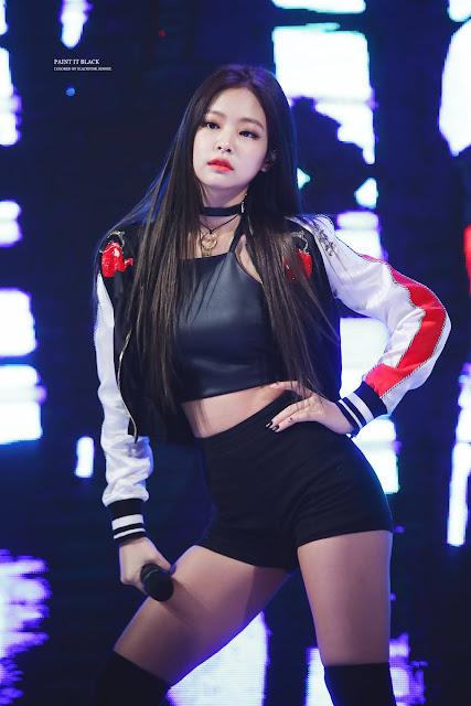 15 KPop Female Idols Who Rock The Neck Choker Fashion