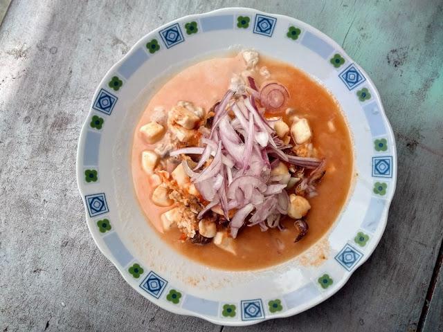 Preparación del Ceviche de Cangrejos preparado de forma casera. Fotografía proporcionada por Irvis Murillo.