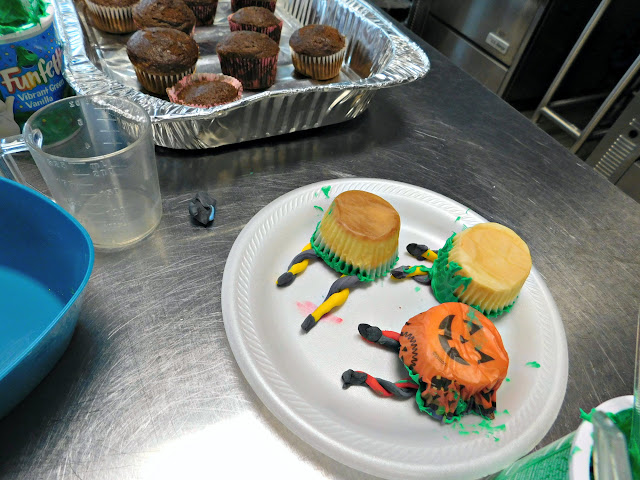Cupcake fun with Girl Scouts of North East Ohio