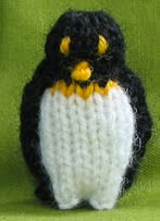 http://translate.google.es/translate?hl=es&sl=en&tl=es&u=http%3A%2F%2Fflutterbypatch.blogspot.com.es%2F2009%2F05%2Fknitted-penguins-and-icy-escape-blog-6.html