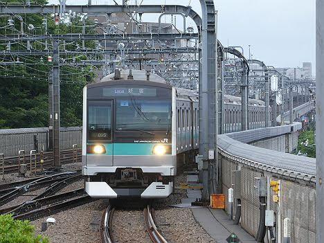 【ダイヤ改正で定期運用なし!】E233系2000番台の各駅停車 新宿行き