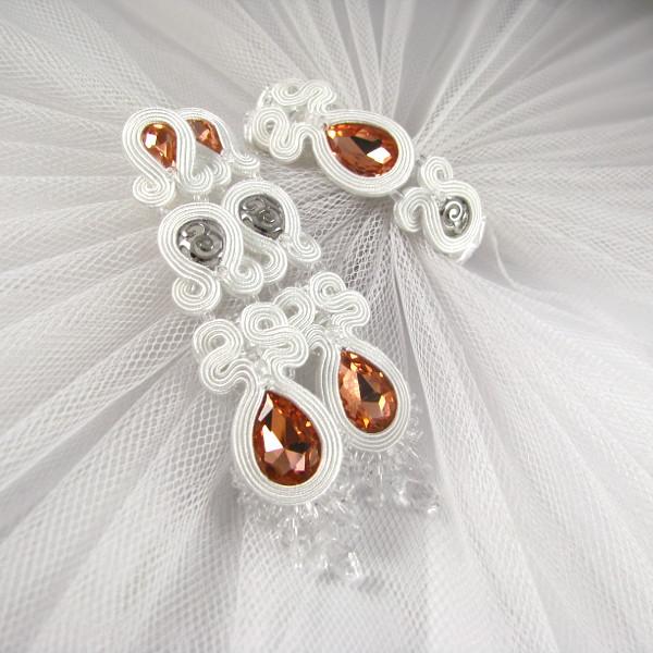 Sutaszowy komplet ślubny z brzoskwiniowymi kryształkami.