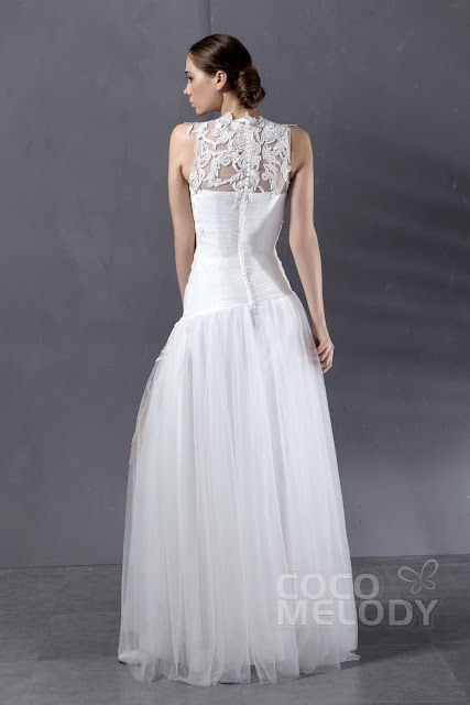 Classy wedding dresses are usually noble and lovely