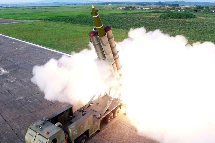 Peluncur Roket Super Besar Diuji Coba Oleh Korut
