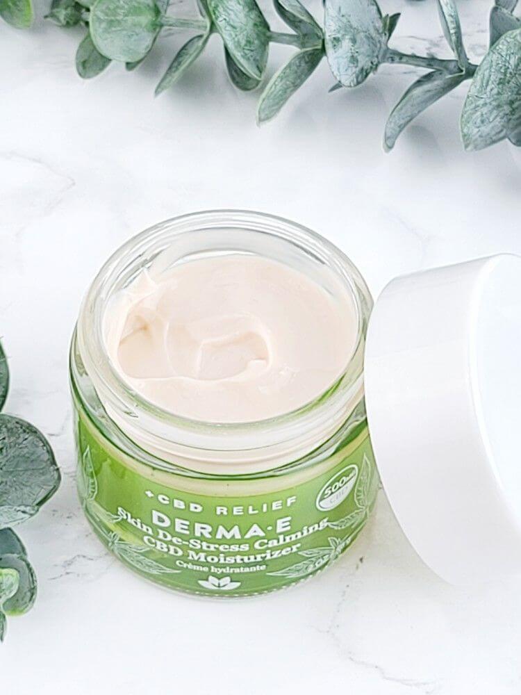 derma-e-skin-de-stress-calming-cbd-skin-care-calming-cbd-moisturizer