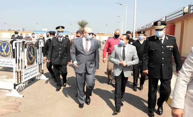 محافظ بني سويف ومدير الأمن يتفقدان وحدة مرور سمسطا تمهيدا لافتتاحها خلال احتفالات العيد القومي
