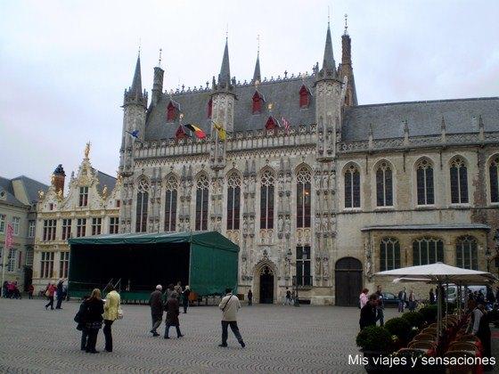 Plaza del Burg, Brujas, Bélgica