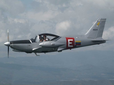 Avion de entrenamiento Aermacchi SF-260