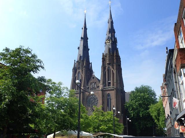 Dziewiętnastowieczna katedra w Eindhoven
