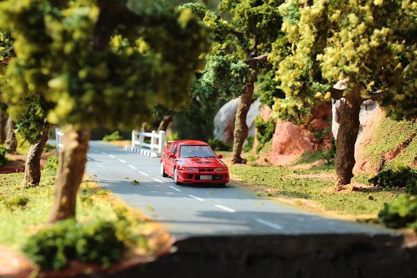Image: Model car on a road, by Lance Müller on Pixabay