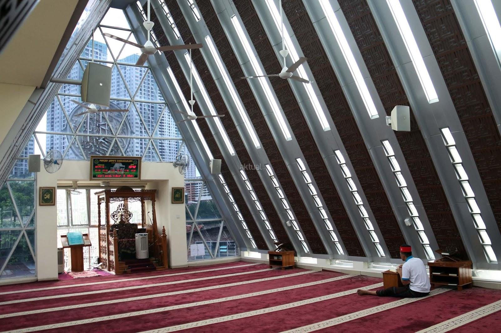 Kiai Cholil Nasihati RK Soal Masjid lluminati