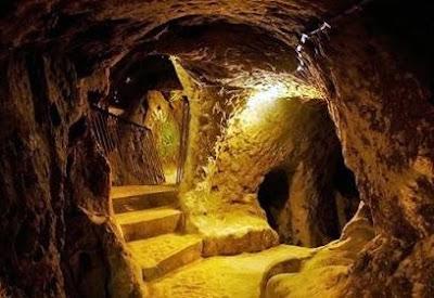 Rede de Túneis de 12 mil anos. Quem as construiu? Para quê? Como foi possível?