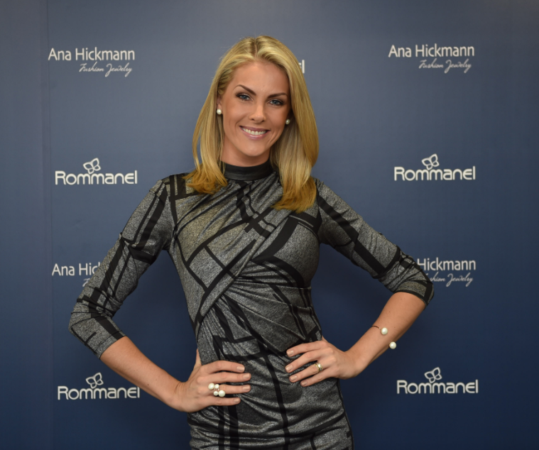 Aconteceu em Miami a inauguração da primeira loja da Rommanel nos Estados  Unidos, com a presença de Ana Hickmann, que lançou sua coleção Heaven -  Ana  ... 05b1b0ccf2