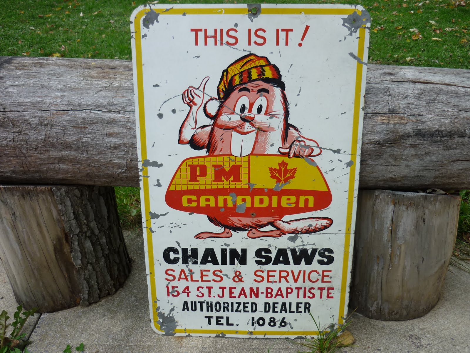 VINTAGE CHAINSAW COLLECTION: CHAINSAW SIGNS COLLECTION