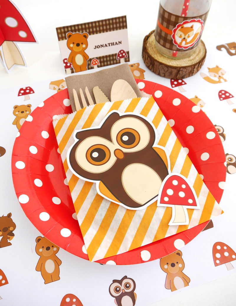 Woodland Owl Birthday Party Kids Table Ideas | BirdsParty.com