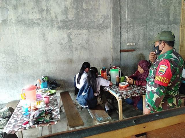 Bersama Warga Binaan Jalin Silaturahmi Dilakukan Personel Jajaran Kodim 0207/Simalungun Dengan Cara Komsos
