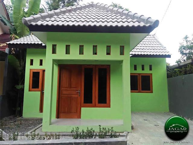 Rumah dekat Tugu Lilin Bangunjiwo