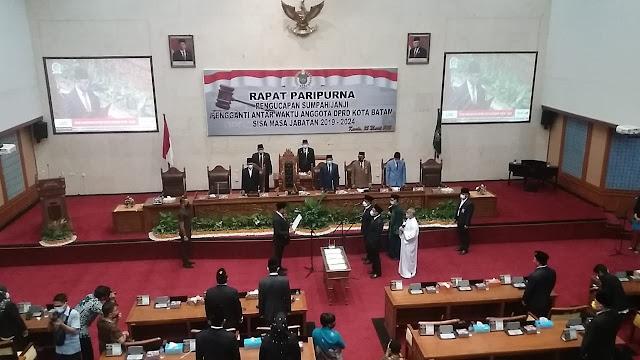 Wakil Walikota Batam Menghadiri Rapat Paripurna Pengucapan Sumpah Janji PAW DPRD Batam Sisa Masa Jabatan 2019-2024