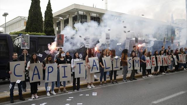 Pecah Lagi di Yunani, Demonstran Pendukung Floyd Lempar Bom Molotov ke Kedubes AS di Athena