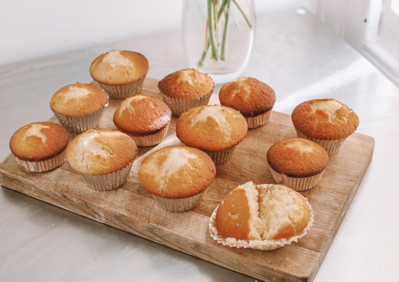 Rêveuse Recipe: Classic Fluffy Vanilla Cupcakes