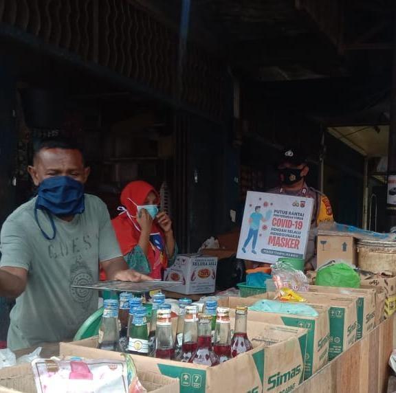 Petugas Gabungan Tegur dan Bagikan Masker Kepada Pelanggar di Blang Mangat