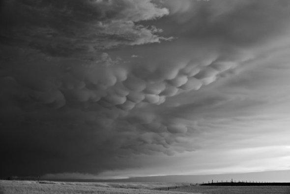 Mitch Dobrowner fotografia tempestades tornados preto e branco natureza impressionante chuva torrencial