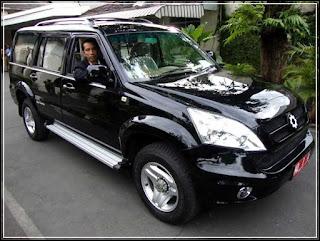 gambar mobil buatan Indonesia