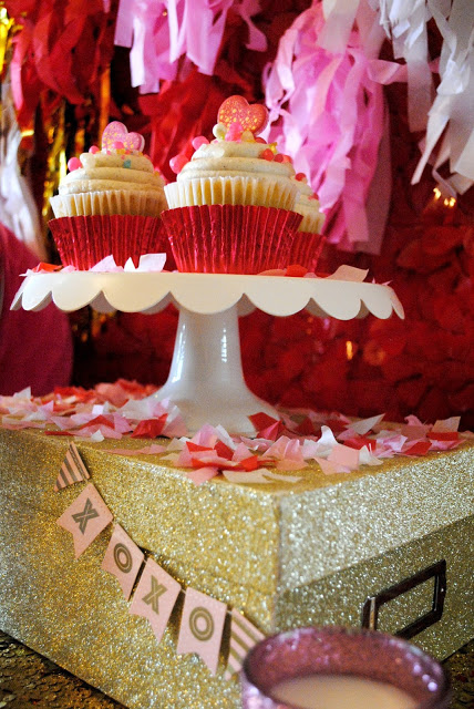 Valentines-party-cupcakes-party -stying