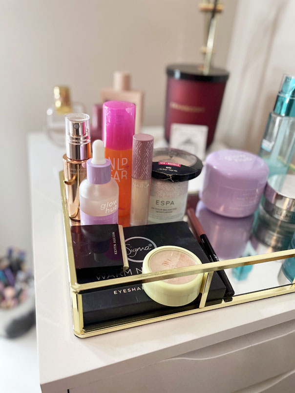 Project 10 Pan - January 2021 - Collection of 10 beauty items