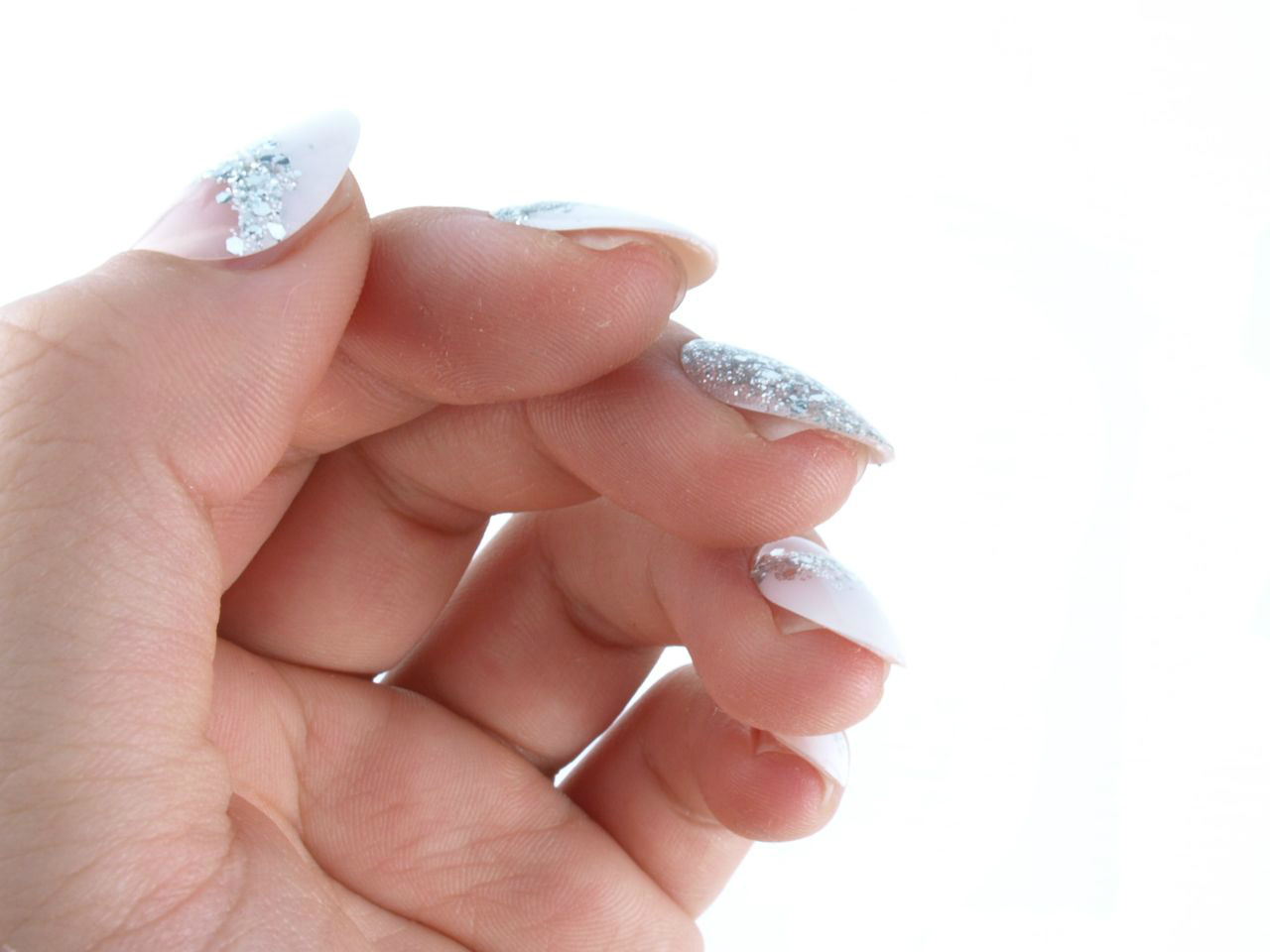 """Kiss Gel Fantasy Press-On Nails in """"Rock Candy"""": Review and Swatches"""
