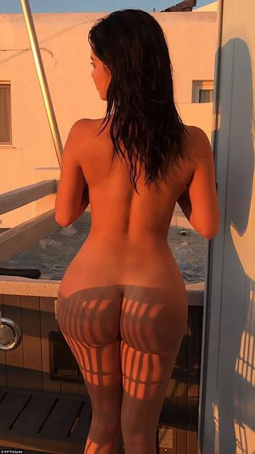 Demi-Rose-ass nude