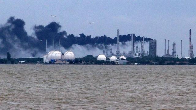 Pengamat: Kebakaran Kilang Balongan, Pertamina Harus Siap Impor BBM