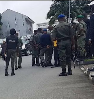 BREAKING: Gov. Wike's Convoy Attacked By Police