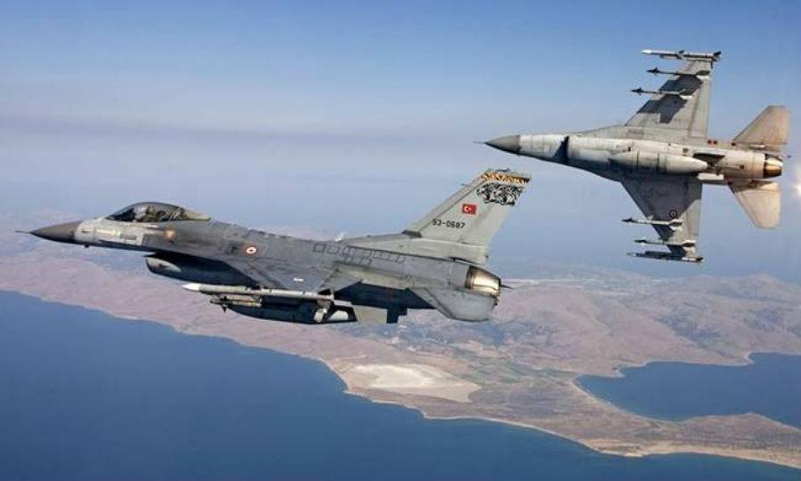 Μπαράζ πτήσεων από τουρκικά αεροσκάφη πάνω από ελληνικά νησιά