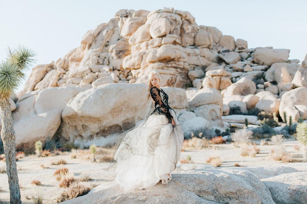 ELOPE: DESERT REIGN | STYLED BRIDAL INSPIRATION JOSHUA TREE NATIONAL PARK